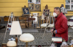 疫情笼罩之下闲逛波兰某市周末旧货市场